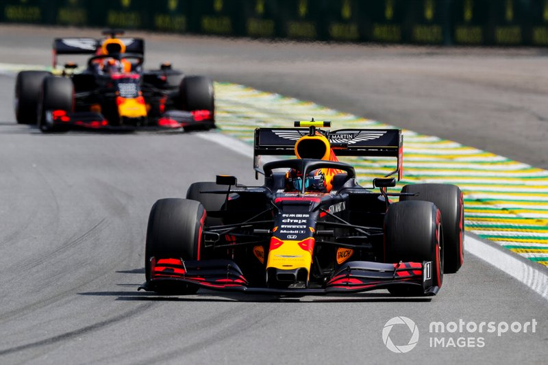 Alexander Albon, Red Bull RB15 e Max Verstappen, Red Bull Racing RB15