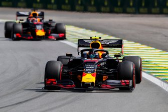 Alexander Albon, Red Bull RB15 et Max Verstappen, Red Bull Racing RB15