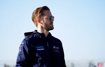 Sam Bird, Virgin Racing, on his track walk