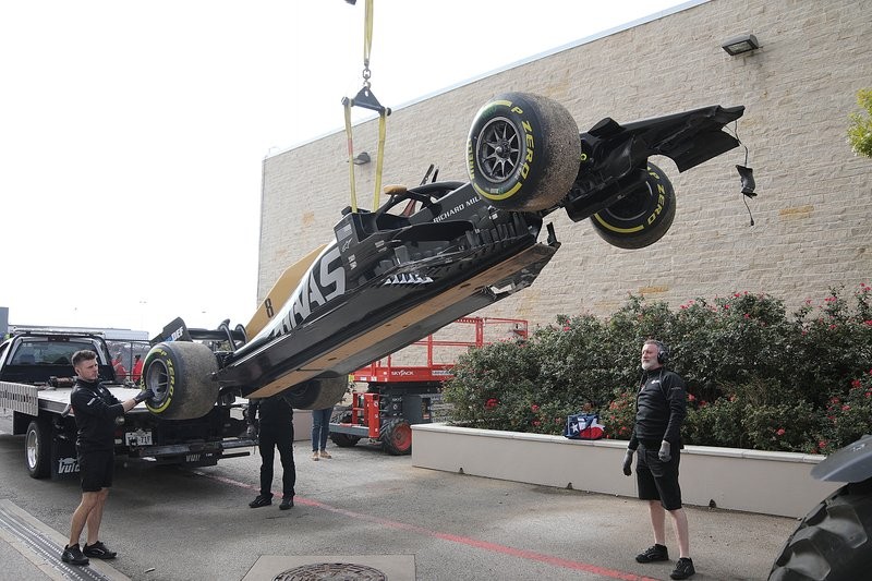 Coche de Romain Grosjean, Haas F1 Team VF-19 después de su accidente