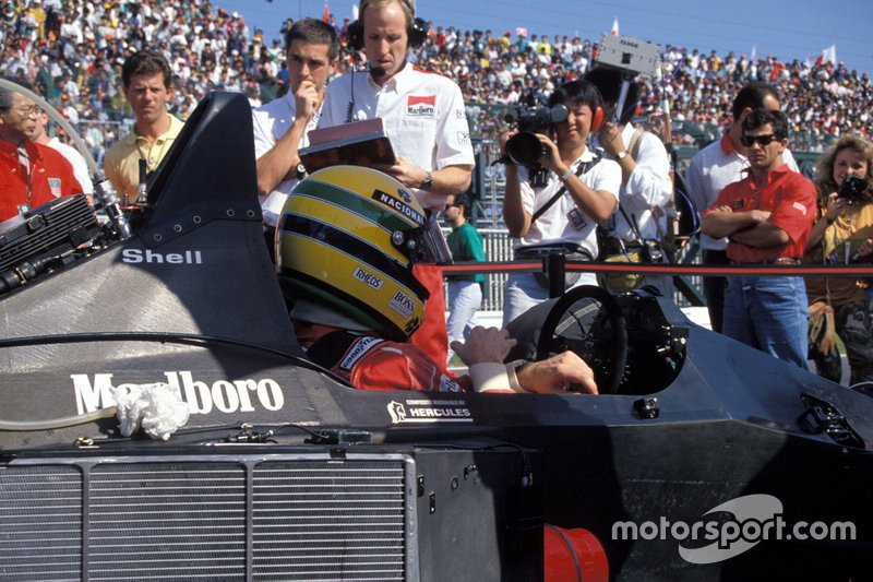Ayrton Senna, McLaren MP4-5B Honda, on the grid