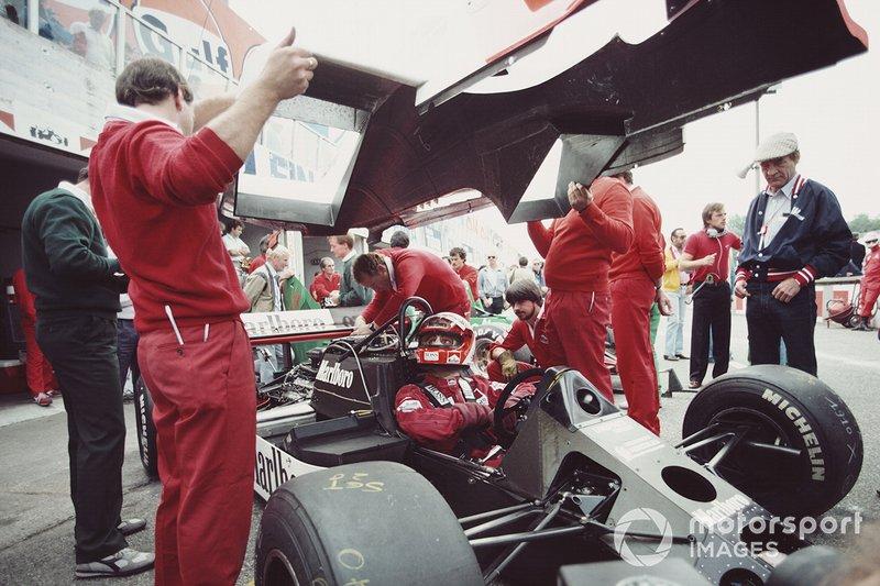 Zandvoort 1984: Niki Lauda in een McLaren zonder bodywork