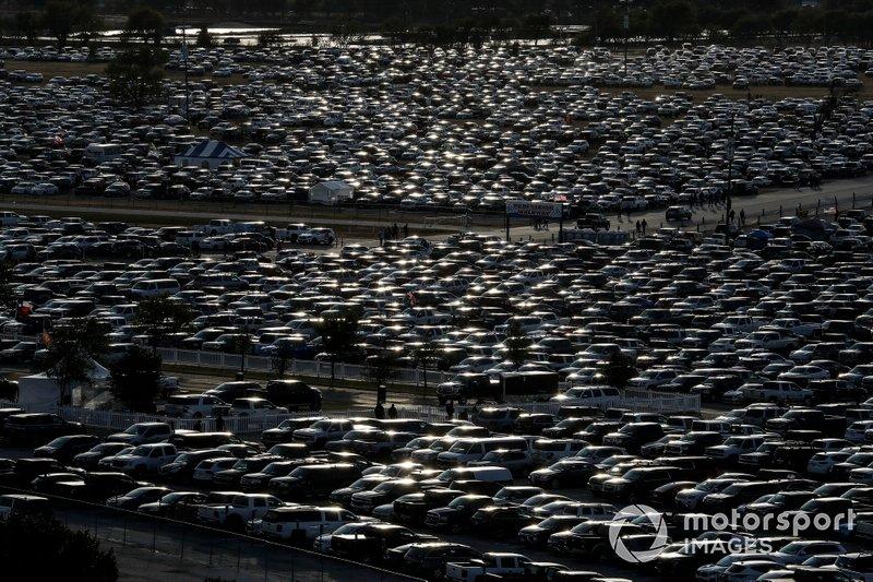 Cars, fans