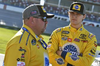 Todd Gilliland, Kyle Busch Motorsports, Toyota Tundra Pedigree Puppy and Marcus Richmond II