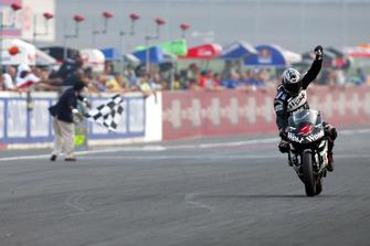 Race winner Alex Barros, Honda