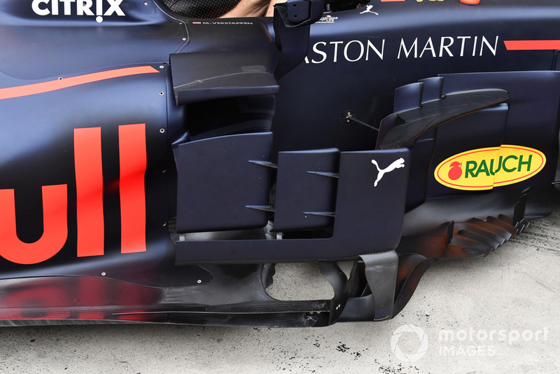 Red Bull Racing RB14 detalhe bargeboard