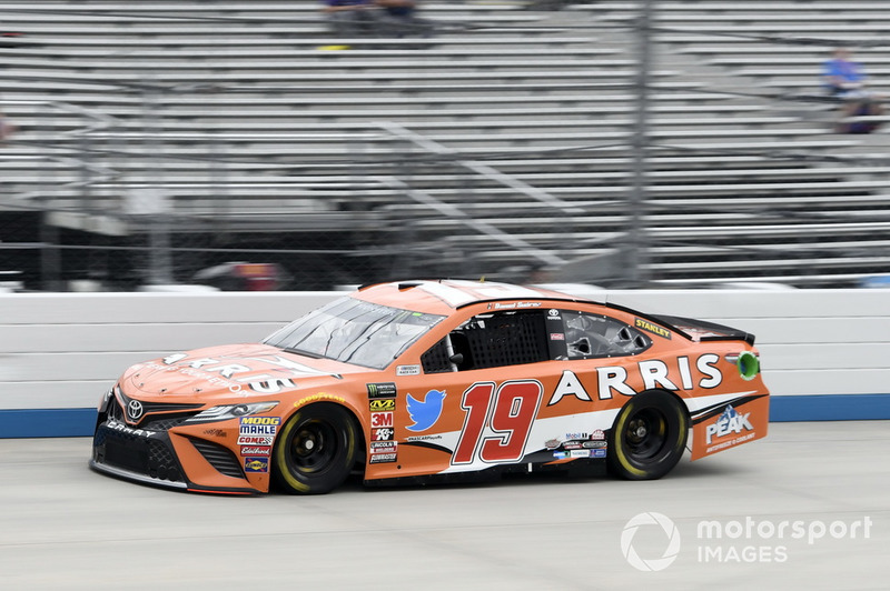 19. Daniel Suarez, Joe Gibbs Racing, Toyota Camry ARRIS