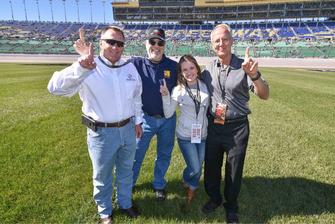 foto dei finalisti per il NASCAR Foundation's Betty Jane France Humanitarian Award