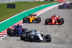 Sergey Sirotkin, Williams FW41, Brendon Hartley, Toro Rosso STR13, Sebastian Vettel, Ferrari SF71H, y Stoffel Vandoorne, McLaren MCL33