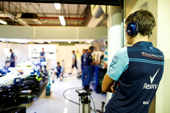 George Russell, Williams, watches team-mate Robert Kubica