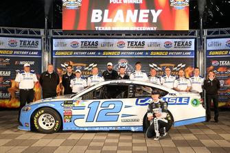 Pole sitter Ryan Blaney, Team Penske, Ford Fusion Accella/Carlisle
