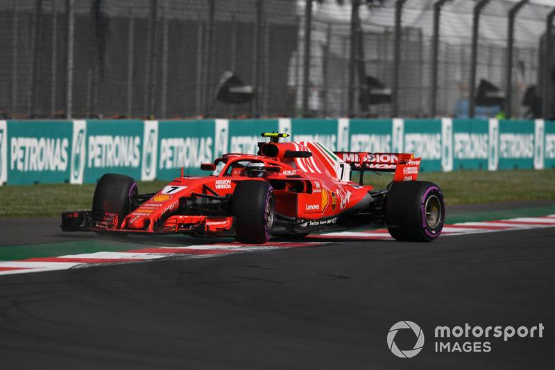Kimi Raikkonen, Ferrari SF71H spins