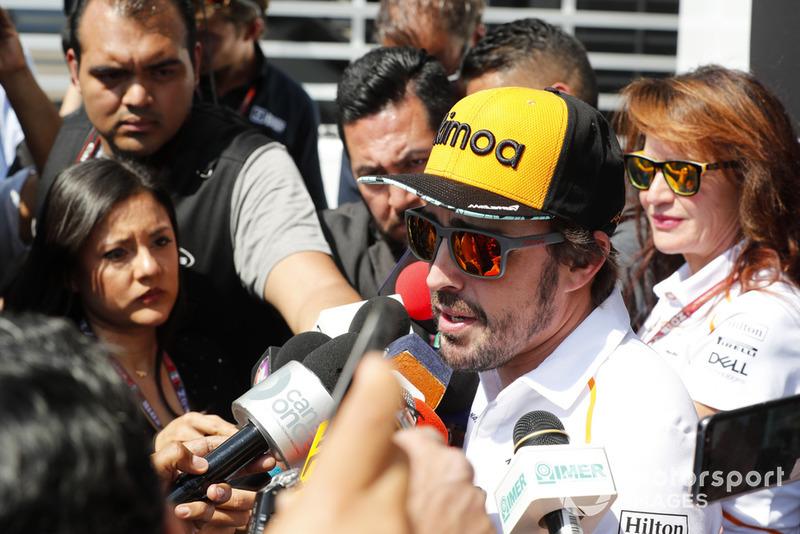 Fernando Alonso, McLaren con los medios