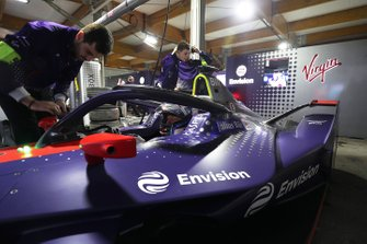Sam Bird, Envision Virgin Racing, Audi e-tron FE05 in the garage