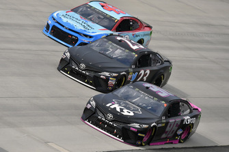 Jeffrey Earnhardt, Gaunt Brothers Racing, Toyota Camry Xtreme Concepts / iK9, J.J. Yeley, BK Racing, Toyota Camry e Darrell Wallace Jr., Richard Petty Motorsports, Chevrolet Camaro World Wide Technology