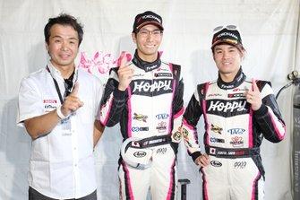 GT300 polesitters #25 Team Tsuchiya Toyota MC86: Takamitsu Matsui, Kimiya Sato