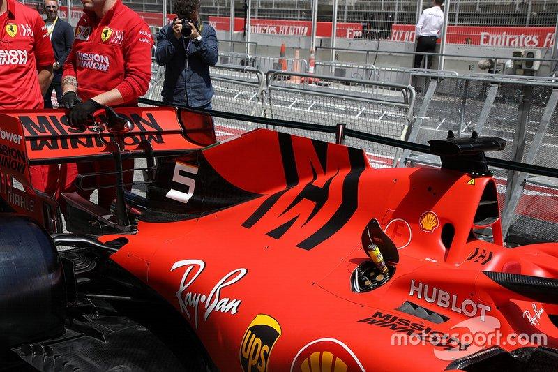Ferrari SF90: Motorhaube