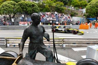 Daniel Ricciardo, Renault R.S.19, passes the Fangio memorial
