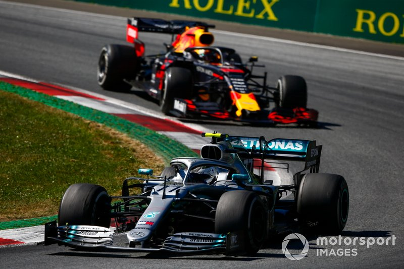 Valtteri Bottas, Mercedes AMG W10, Max Verstappen, Red Bull Racing RB15