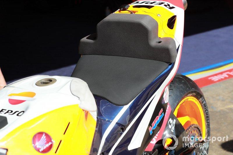 Dettaglio della sella della Honda di Jorge Lorenzo, Repsol Honda Team