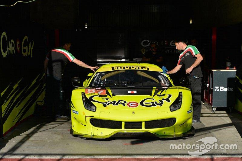 #57 Car Guy Racing Ferrari 488 GTE: Такесі Кімура, Кей Франческо Коззоліно, Ком Ледогар