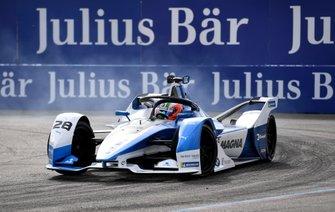 Antonio Felix da Costa, BMW I Andretti Motorsports, BMW iFE.18, si blocca una gomma