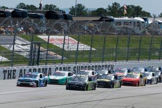 Tyler Reddick, Richard Childress Racing, Chevrolet Camaro Roland Ross Chastain, Kaulig Racing, Chevrolet Camaro Nutrien Ag Solutions