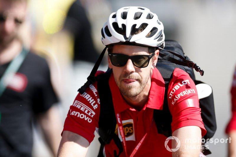Sebastian Vettel, Ferrari en bicicleta