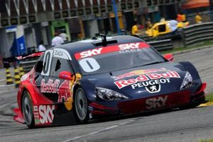 Em 2009, Cacá Bueno se torna tricampeão da Stock Car