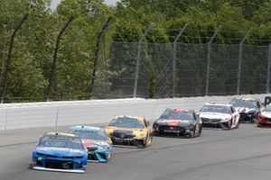 William Byron, Hendrick Motorsports, Chevrolet Camaro Hendrick Autoguard, Kyle Busch, Joe Gibbs Racing, Toyota Camry M&M's Hazelnut