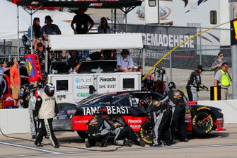 Tyler Reddick, Richard Childress Racing, Chevrolet Camaro TAME the BEAST pit stop