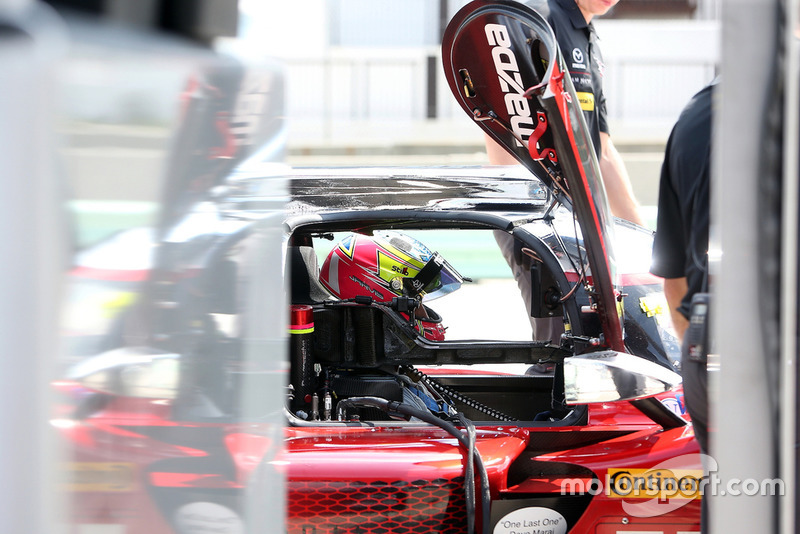 #77 Mazda Team Joest Mazda DPi, P - Oliver Jarvis