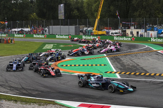 Nicholas Latifi, DAMS, leads George Russell, ART Grand Prix at the start