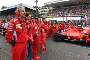 Maurizio Arrivabene, Ferrari Team Principal y Antonio Giovinazzi, Ferrari