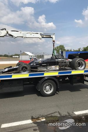 Lola T332 F5000 after a crash