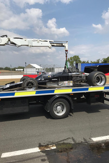 Lola T332 F5000 after a crash