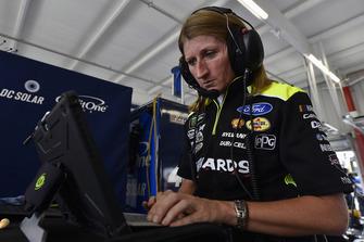 Andrea Mueller, Ryan Blaney, Team Penske, Ford Fusion Menards/Richmond