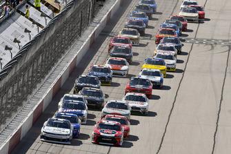 Ross Chastain, Chip Ganassi Racing, Chevrolet Camaro DC Solar and Christopher Bell, Joe Gibbs Racing, Toyota Camry Rheem