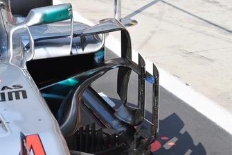 تفاصيل الألواح الجانبية لسيارة مرسيدس دبليو09
