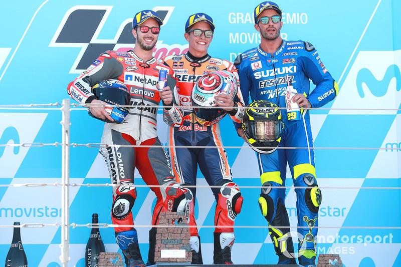 Le podium du GP d'Aragón 2018 : 1er Marc Márquez, 2e Andrea Dovizioso, 3e Andrea Iannone