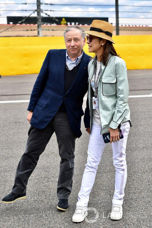 Jean Todt, Prezes FIA, i jego żona Michelle Yeoh, na polach startowych