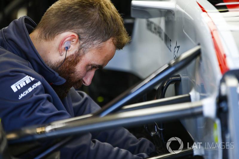 Haas F1 mühendisi