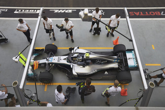 Valtteri Bottas, Mercedes AMG F1 W09 EQ Power+, in the pits during practice