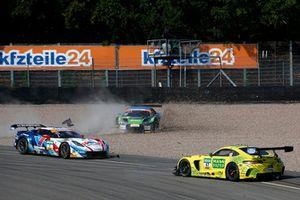 Crash, #1 Callaway Competition Corvette C7 GT3-R: Marvin Kirchhöfer, Daniel Keilwitz, #50 YACO Racing Audi R8 LMS: Philip Geipel, Rahel Frey, #47 HTP Motorsport Mercedes-AMG GT3: Maximilian Götz, Markus Pommer