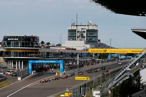 Start of the race, Mick Schumacher, PREMA Theodore Racing Dallara F317 - Mercedes-Benz leads