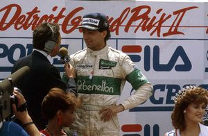 Michele Alboreto, Tyrrell Ford, 1° classificato, sul podio