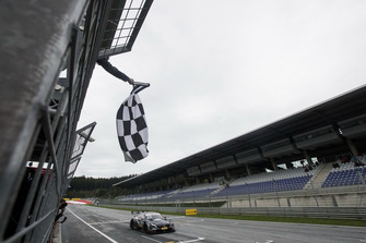 Checkered flag for Daniel Juncadella, Mercedes-AMG Team HWA, Mercedes-AMG C63 DTM. James Gasperotti