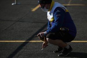 Michelin member check the track temperature