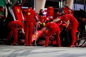 Sebastian Vettel, Ferrari SF1000, in the pits
