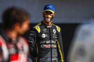 Daniel Ricciardo, Renault F1durante la foto de grupo de los pilotos al final de la temporada